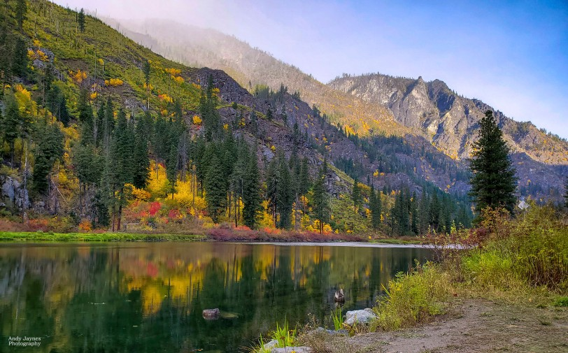 Fall colors in Tumwater Canyon - 2019