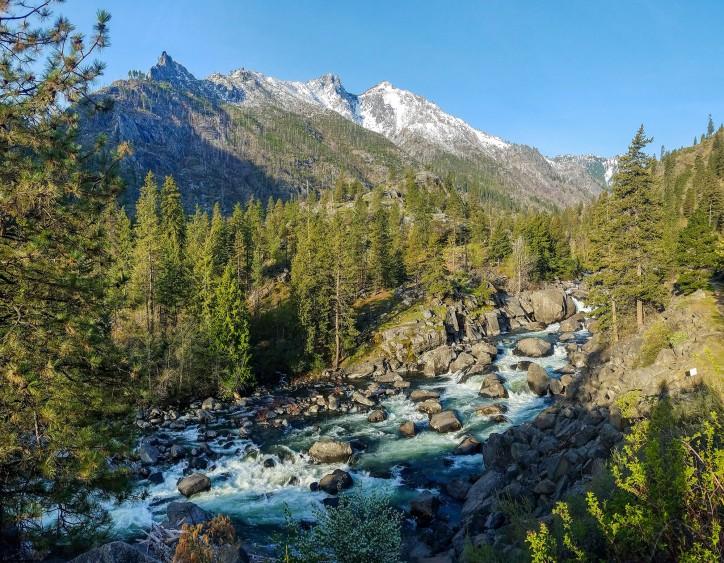 April - Snowlakes Trailhead